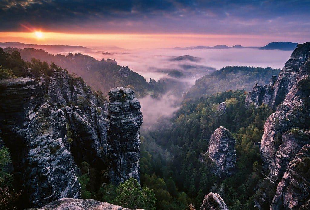 Image of Wizard+Genius Sunrise on the Rocks Vlies Fotobehang 384x260cm 8-banen